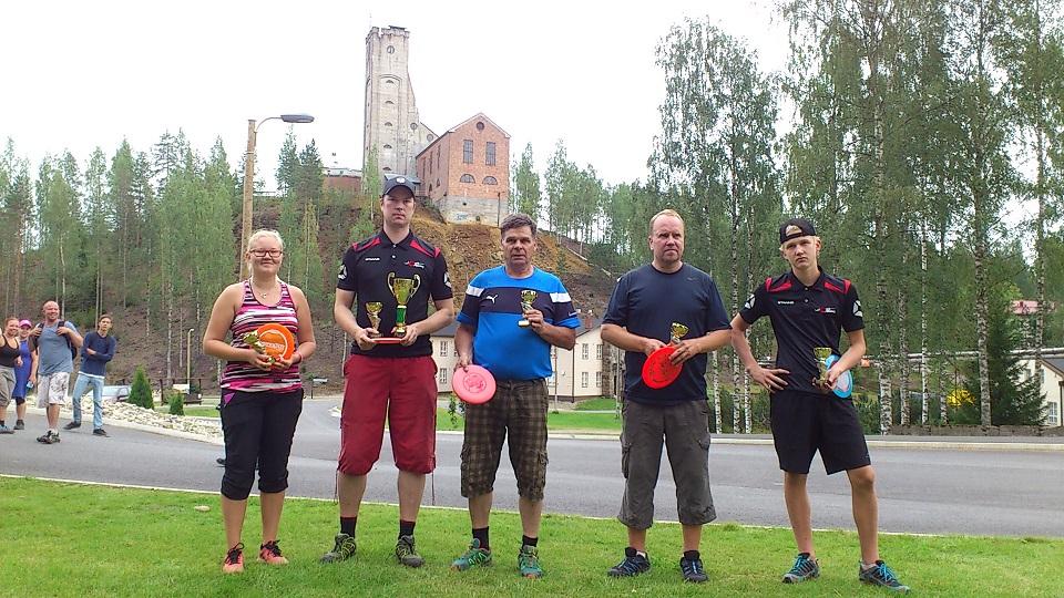 Outokummun mestarit 2016 vasemmalta oikealle: Irke-Elina Ikonen (FPO), Miika Voutilainen (MPO), Esko Jokinen (MPG), Ilpo Iljo (MPM) ja Julius Paakkinen (MJ2) (© Tomi Varpalahti).
